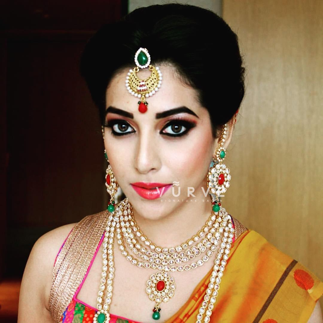 exclusive offers on bridal makeup & makeovers by vurve signature